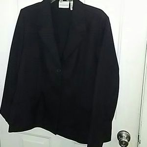 Size 18 black blazer by Alfred dunner